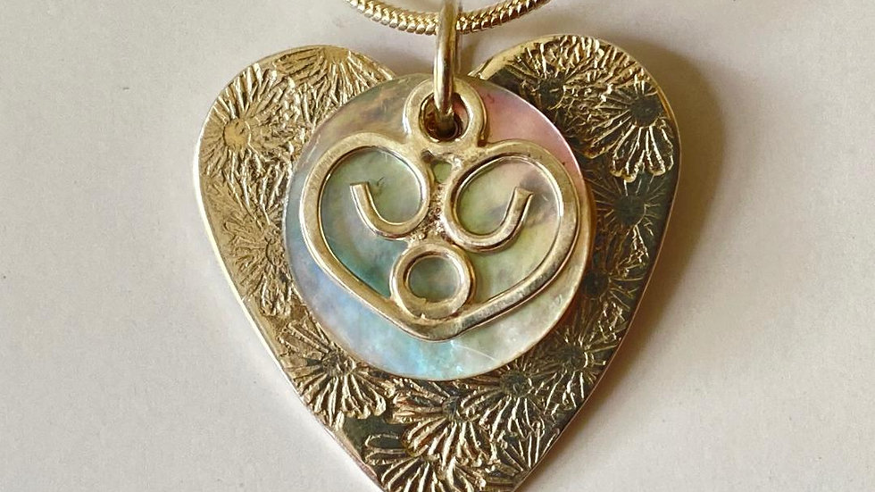 Hearts and Shell Pendant