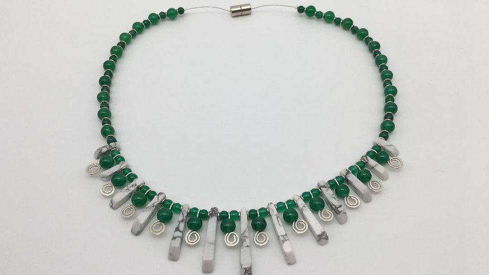 Silver Howlite and Green Agate Necklace and Earrings