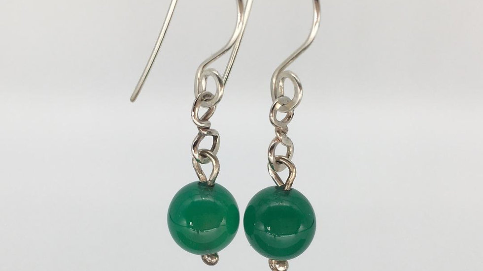 Figure of 8 link with 8 mm Green Agate Bead Silver Earrings