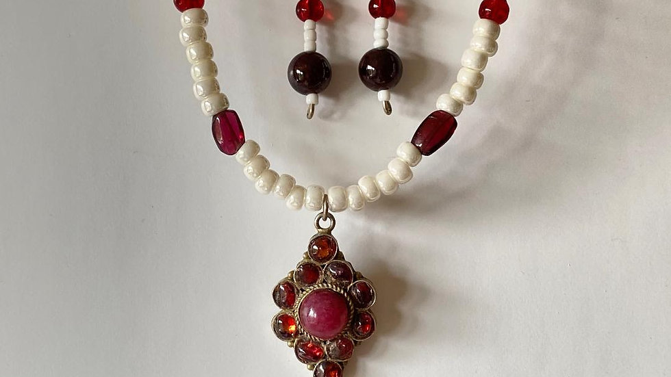 Upcycled Fun with Garnet Jewellery Set