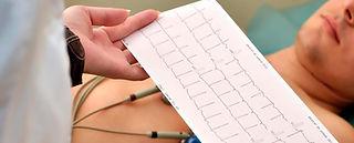 ECG con paciente.jpg