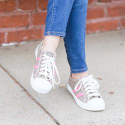 sneakers - pink stripe