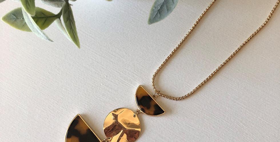 Beseck Necklace (Dark Tortoise)