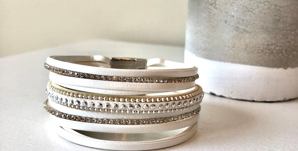 Multi Strand Clasp Bracelet (White)