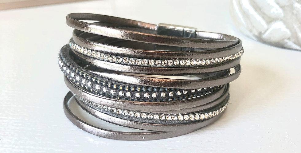 Multi Strand Clasp Bracelet (Metal)