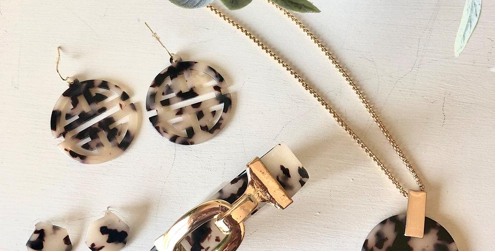 Paris Necklace (Blonde Tortoise)