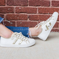 sneakers - gold stripe