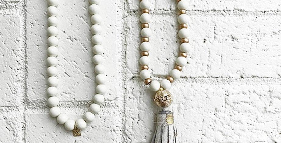 Hampton Cork Necklace (Gray)