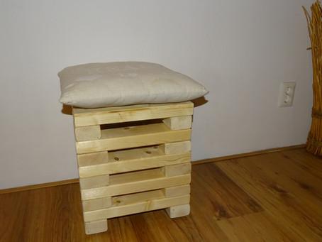 Un tabouret jenga en bois recyclé...