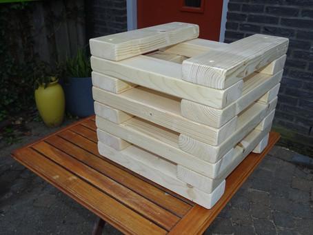 Scopri la panchina Jenga di legno riciclato...