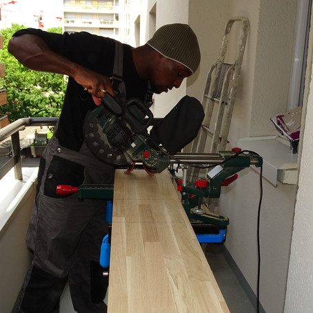 Verander uw badkamer ontwerp met een DIY zwevende plank!