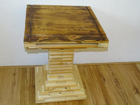 Een tafel van houtresten???