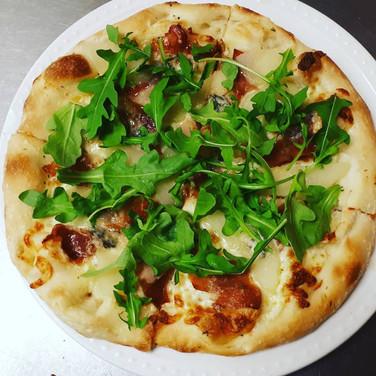 Pear and Prosciutto Pizza with Gorgonzol