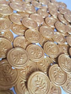 Gold self-adhesive wax seals