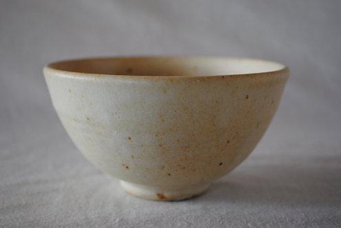 河内啓 乳白釉茶碗