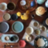 手作りの作家ものの陶器・磁器の食器・うつわを販売。海外のうつわや暮らしの道具も販売。取扱作家:河内啓(岐阜)/渡邉由紀Yuki WATANABE(東京)/矢倉藍子(兵庫)/玉元工房(沖縄)/中田光(群馬県桐生市)など。ギフト・プレゼントにいもいかがでしょうか。