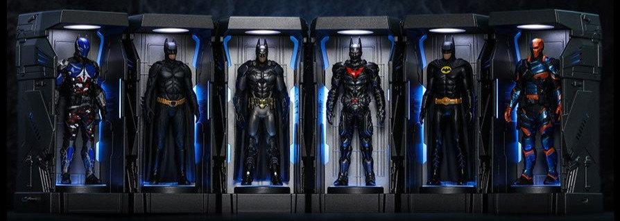 Batman: Arkham Knight Batman Armory Miniature Collectible  Hot Toys