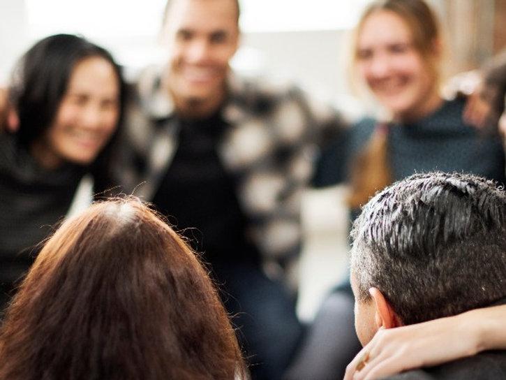 Gruppeterapi  Online eller fysisk