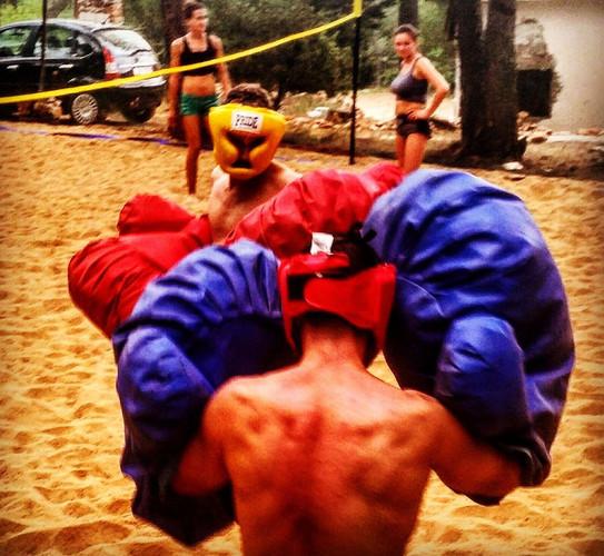 Giant boxing- Activitiy