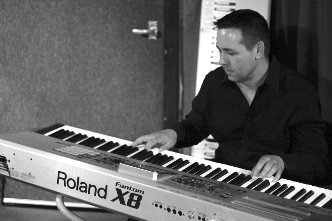 Paul Mooney - Keyboards