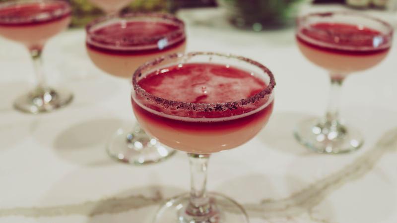 текила маргарита вино коктейльная рюмка кокнкурсный коктейль барный конкурс рим ободок соль сахар