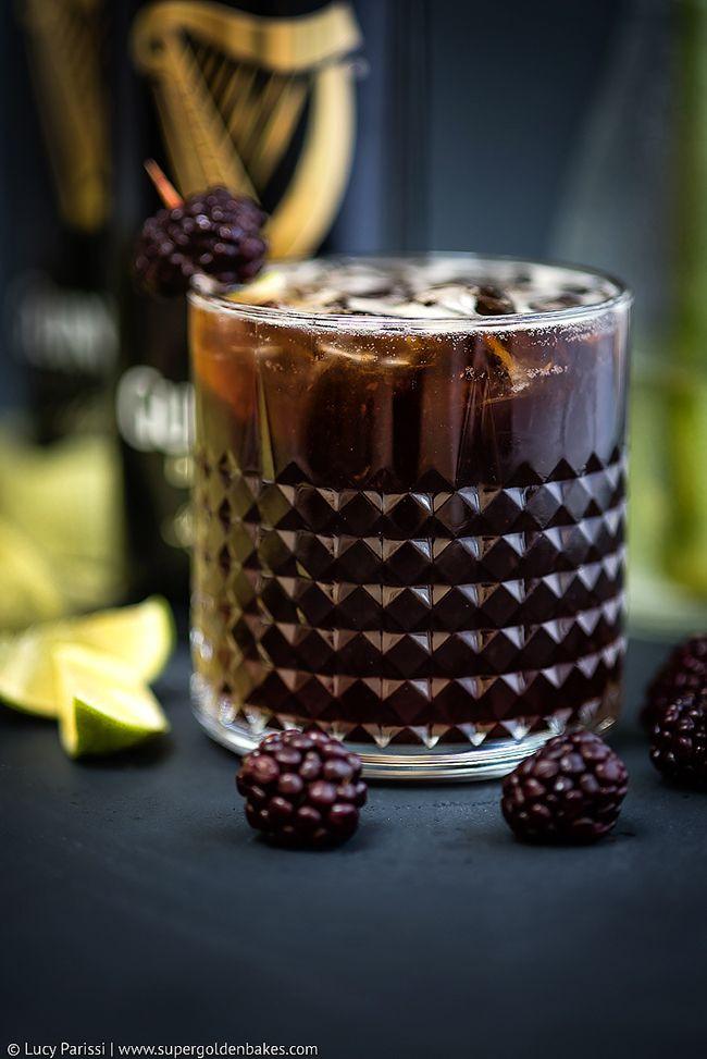 Guinness Bourbon Blackberry cocktail ежевичный коктейль с бурбонов на основе пива гиннесс красивый рокс олдфешн бокал рецепт коктейля