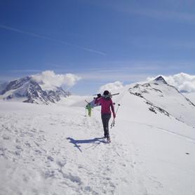 Schneetour_Wandern_Capricorn_Zermatt.JPG