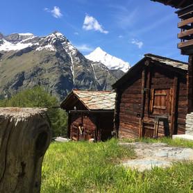 Alpdorf_Wandern_Capricorn_Zermatt.jpg