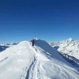 Rotenase_Wandern_Capricorn_Zermatt.jpg