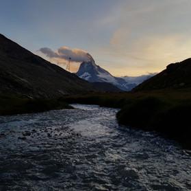 Sonnenuntergang_Wandern_Capricorn_Zermatt.JPG