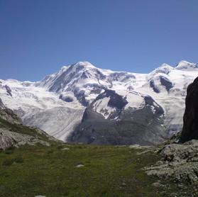 Höhenweg_Wandern_Capricorn_Zermatt.JPG