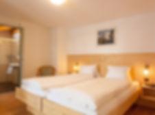 Doppelzimmer_Standard_Matterhornblick_Hotel_Capricorn_Zermatt