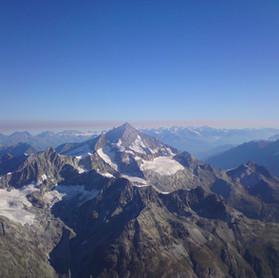 Weisshorn_Wandern_Capricorn_Zermatt.JPG