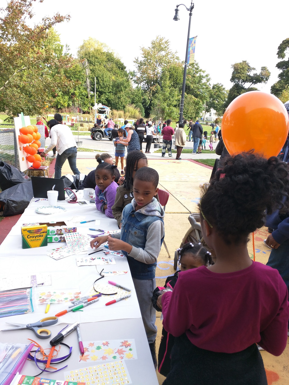 UB LPP Contributes to Successful Fall Fest at Futures