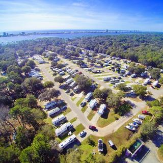 Island Retreat RV Park Gulf Shores .png