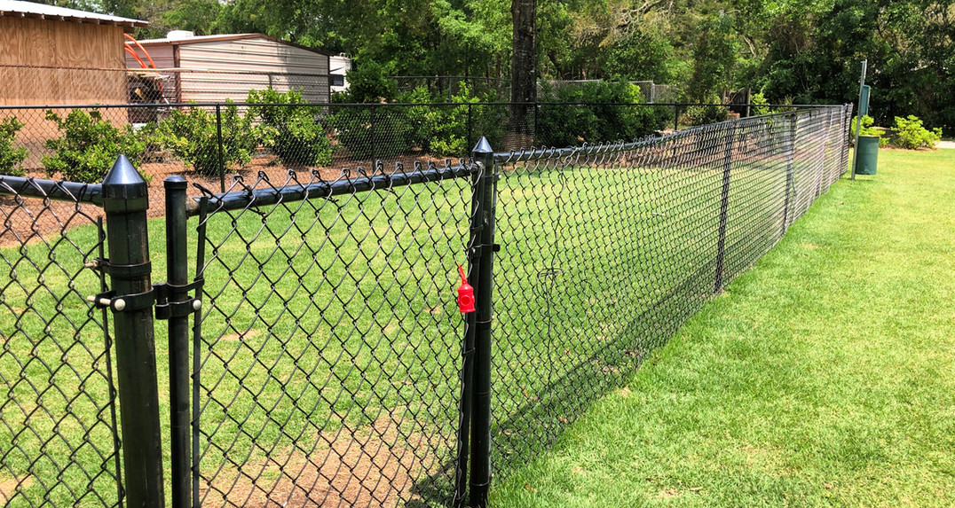 Dog Run & Complimentary Doggie Waste Stations