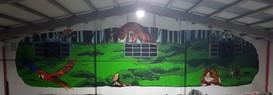 Projecto encomendado pela PetLandia, em Albufeira. Consistia em pintar alguns dos animais que tem na loja, com um fundo verde. Técnica: Acrilico.  Project commissioned by PetLandia, in Albufeira. It consisted of painting some of the animals in the store with a green background. Technique: Acrylic