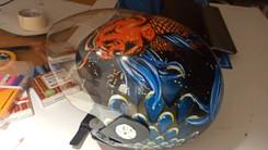 Capacete de moto Capacete foi pintado com os marcadores One4all, da Molotow, e envernizado com o spray acrilico da Montana.  Trabalho encomendado. Não está à venda | Commissioned work. Not for sale.  Motorcycle helmet The helmet was painted with Molotow's One4all markers and varnished with Montana acrylic spray.