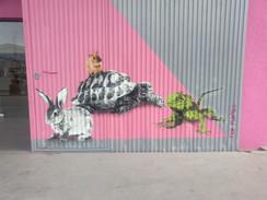 Projecto encomendado pela PetLandia, em Albufeira. Consistia em pintar alguns dos animais que tem na loja. Técnica: stencil e spray  Project commissioned by PetLandia, in Albufeira. It consisted of painting some of the animals in the store. Technique: stencil and spray