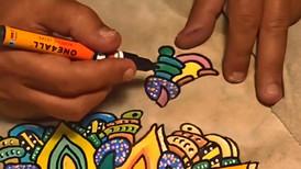 Mandala pintada num casaco de camurça. Foi pintado com os marcadores One4all, da Molotow, e envernizado com o spray acrilico.  Trabalho encomendado. Não está à venda | Commissioned work. Not for sale.  Mandala painted on a suede jacket. It was painted with Molotow's One4all markers and varnished with acrylic spray.