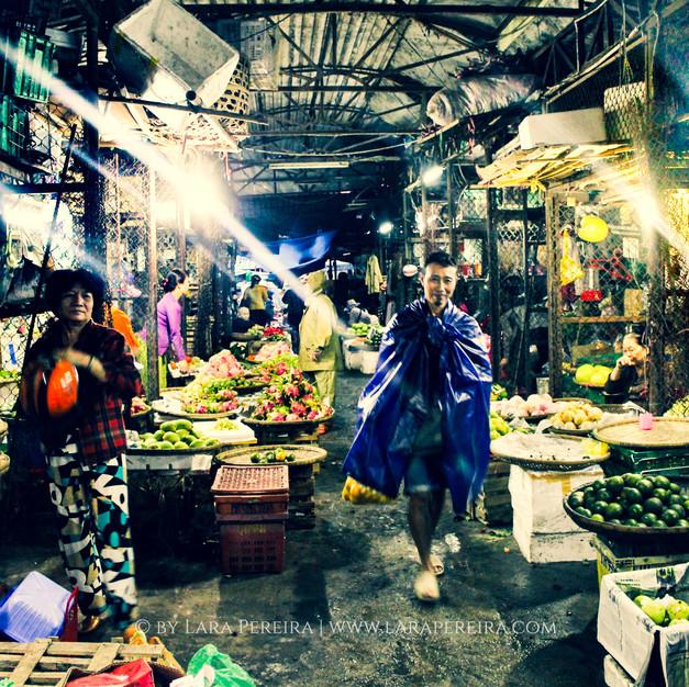 """Dong Ba Market"""