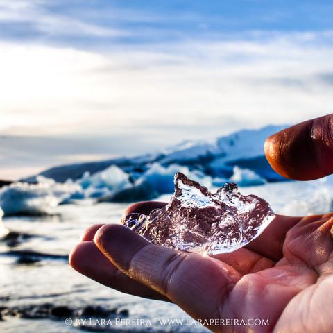 """""""Glacier in Hand"""""""