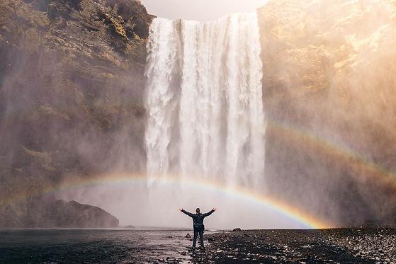 waterfall-828948_1920.jpg