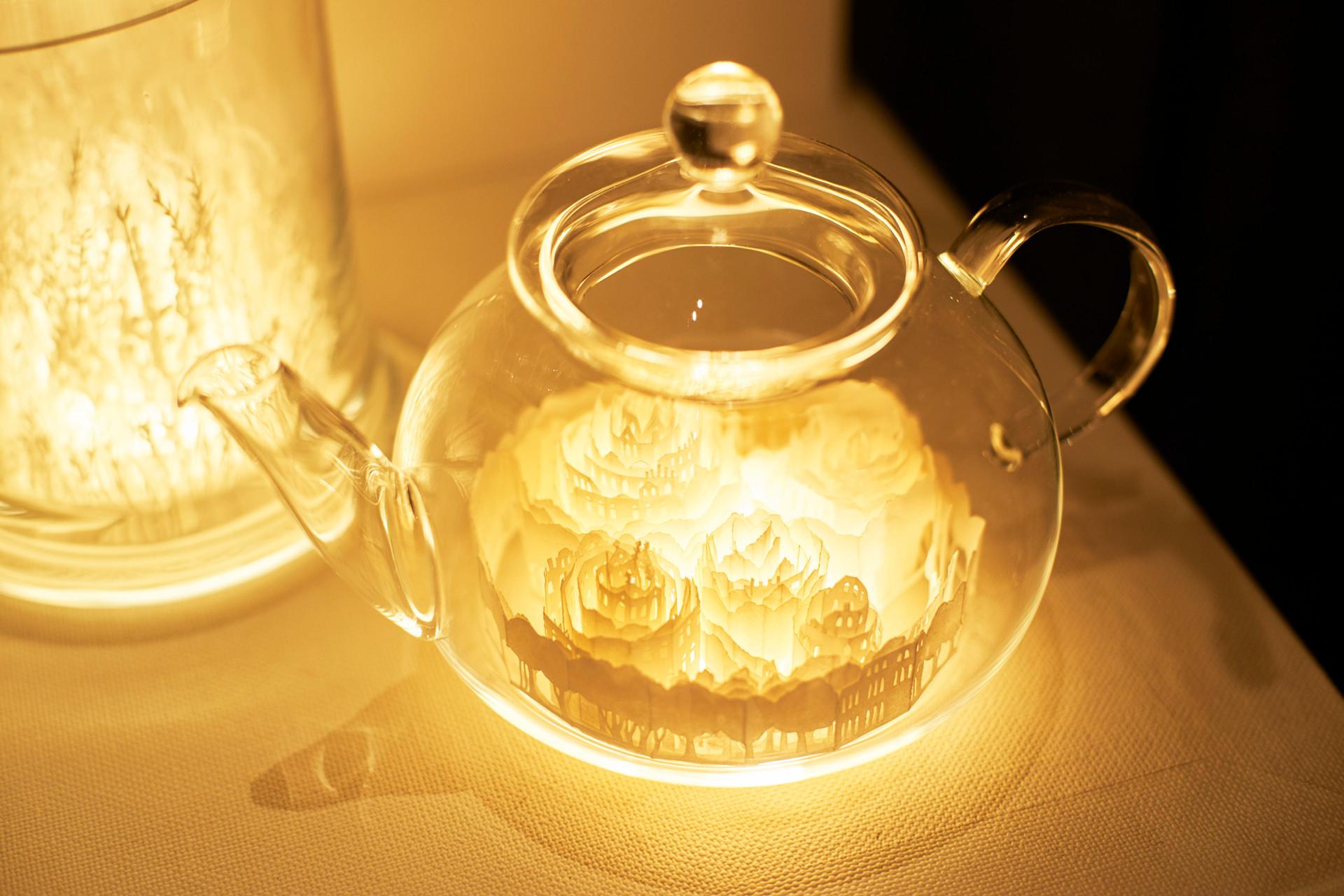 個展 In the Jar (かみのてのなか)