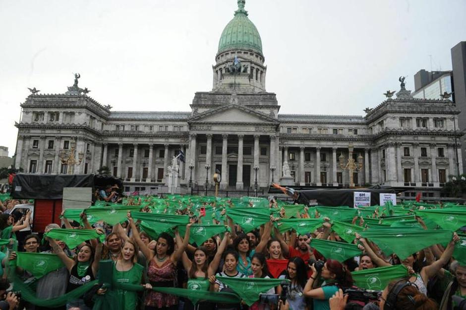 Las nietas de todas las brujas que nunca pudieron quemar: marea verde en el Congreso.