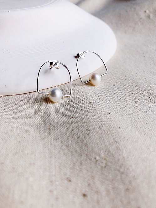 Dew Earrings - Limited Vintage Pearl Edition