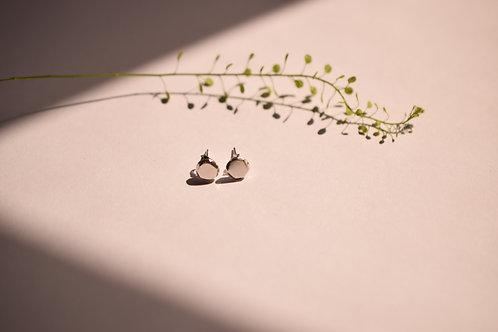 Ana Herranz Jewellery | Small pebble studs