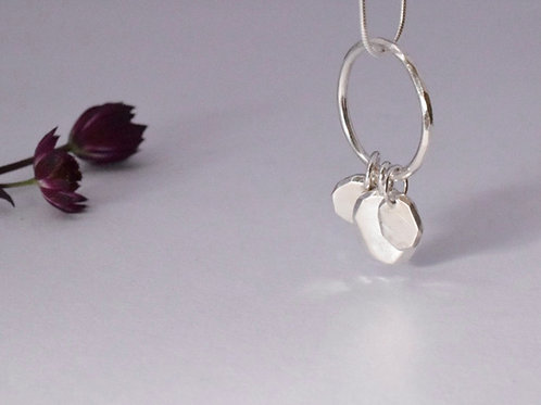 Ana Herranz Jewellery | Pebbles on a ring necklace