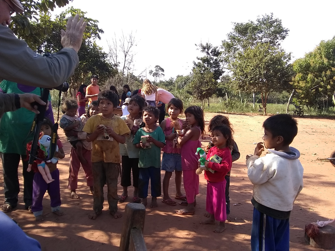 Services with indigenous neighbors in Paraguay