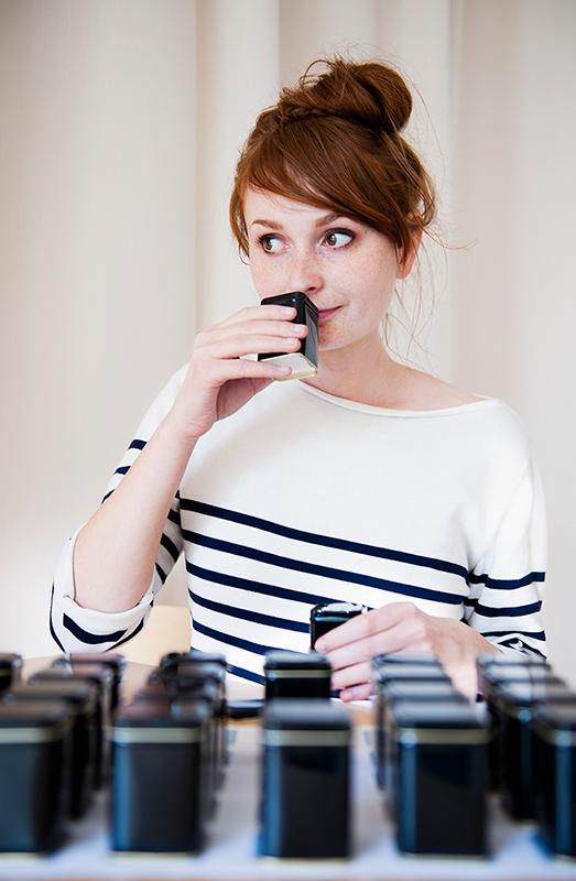 Ingrid tests a smell memory game